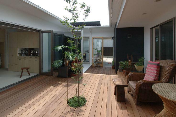 スタジオ・ベルナ の モダンな バルコニー&ベランダ&テラス 自然を感じる家で暮らす