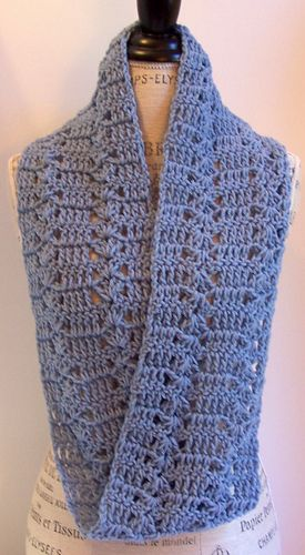 Orient Heights Infinity Scarf - Free crochet pattern by Kristina Olson. I never realized that infinity scarves were mobius strips