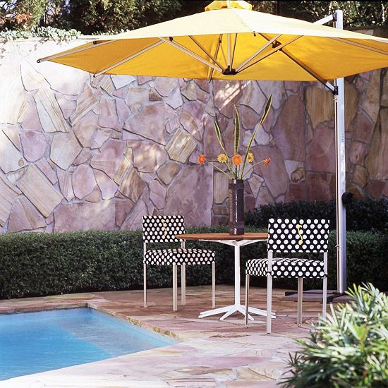 .Poolside Pattern, Yellow Umbrellas, Polka Dots, Decor Ideas, Colors Poolside Furniture, Outdoor Fabrics, Dots Chairs, Colors Backyards, Outdoor Room