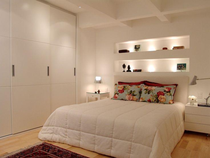 Dicas de iluminação para um quarto aconchegante.