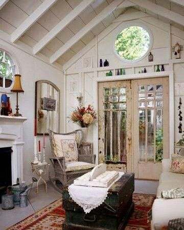 I love this cool shabby chic living room…