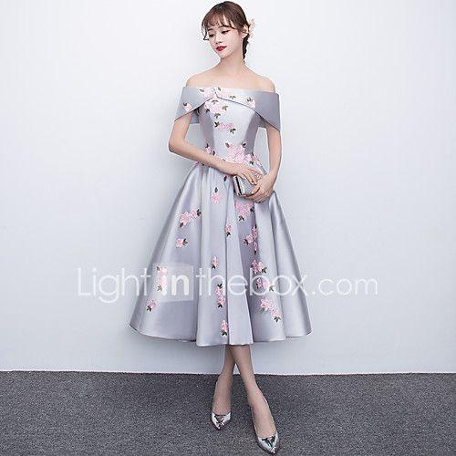 Un vestito da promenade del partito di cocktail del raso di lunghezza del tè fuori dalla spalla con appliques del 2017 a $99.99