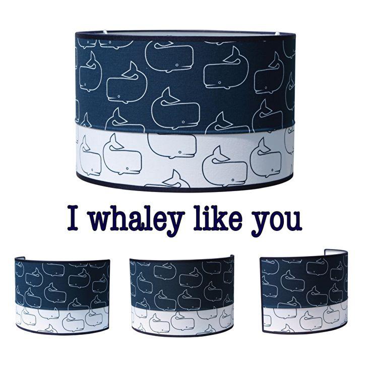 Lamp I whaley like you. Lamp met walvissen, uitgevoerd in een combinatie van donkerblauw en wit. Neutrale lamp die goed past in een babykamer of kinderkamer met een zee thema. Leuk om te combineren met de bijpassende wandlamp. Verkrijgbaar in drie verschillende maten. hanglamp lampenkap kinderlampen kinderkamerverlichting
