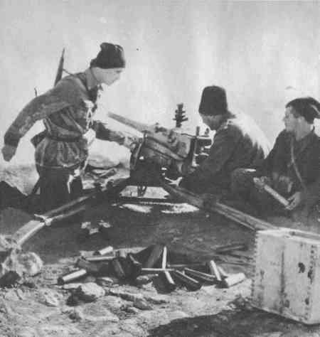 "Soldiers of rgt. ""GIOVANI FASCISTI"" (young fascists), defending their position during the battle of Bir el Gobi.These soldiers also called ""Mussolini's Boys"" by the english soldiers. The ""GIOVANI FASCISTI"" Rgt. was formed only by volounteers"
