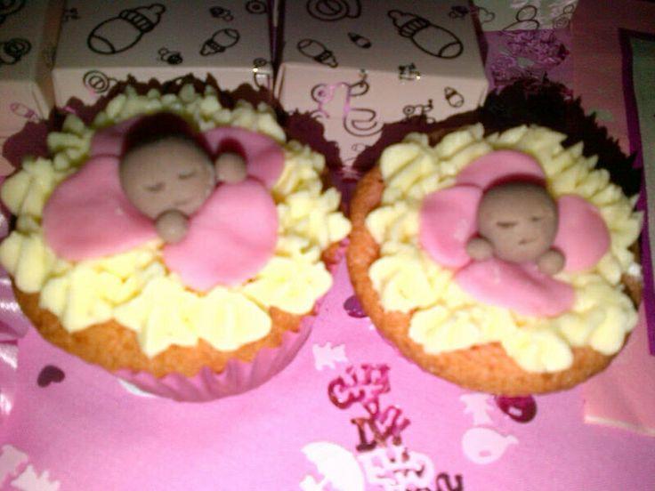 Stork Tea Baby Cupcakes