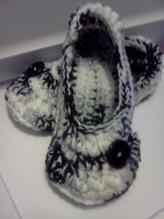 Women's Crochet Black Slippers  Black and White by GrammaLeas
