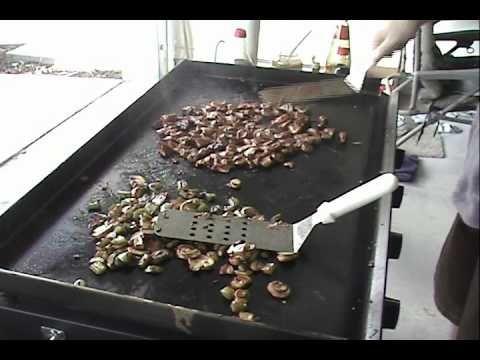 Blackstone Griddle Teppanyaki Egg Fried Rice Youtube Asian Teppanyaki In 2019 Blackstone
