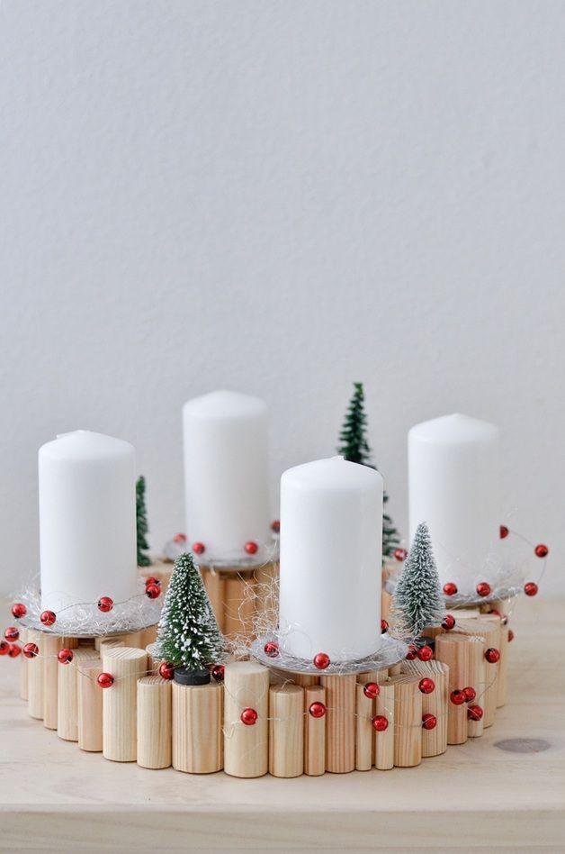 Adventskranz aus Holz // wooden advent wreath via DaWanda.com