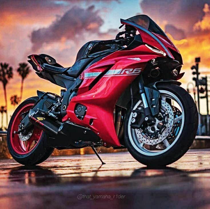 Nueva Yamaha R5 El Motor V4 2 Tiempos De La Rd500lc Ha Sido Puesto Al Dia Y Es Considerado El Mejor Yamaha Bikes Sports Bikes Motorcycles Super Bikes