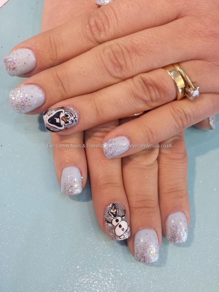 Frozen nails with freehand olaf nail art #nails #nailart #Frozen #Disney #Olaf