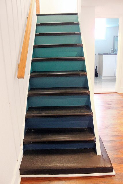 Ombre stairs! I'll never get tired of seeing ombre projects.