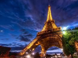 Paryż, stolica Francji. Idealne miejsce na przeżycie romantycznej wyprawy we dwoje :)