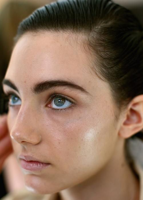 how to achieve a dewy look