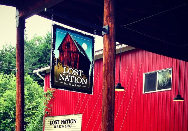 Lost Nation, Morrisville VT (Brewery, barbecue and Gouda Fondue with specialty bread, apples & mushrooms)