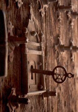 Gothic door with KEY