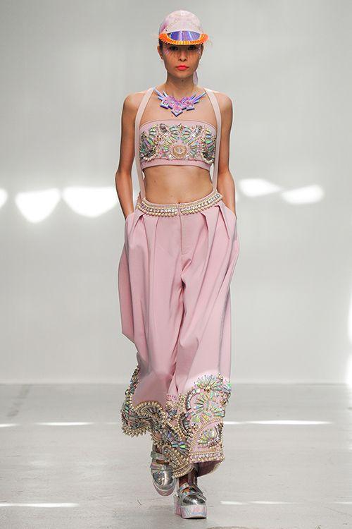 Vogue.com | Ready To Wear 2015 S/S Manish Arora