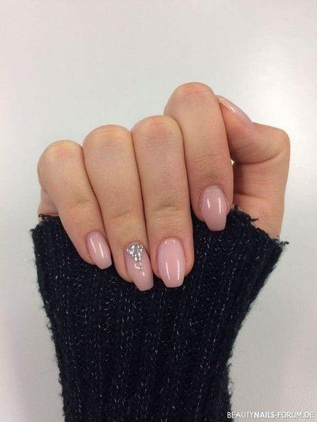 Gelnägel aus natürlichem Glitzer – Fingernägel