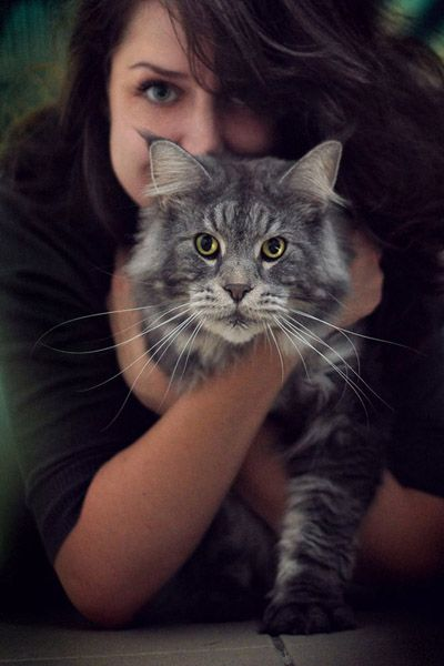 photography inspiration cat portrait, girl and her pet