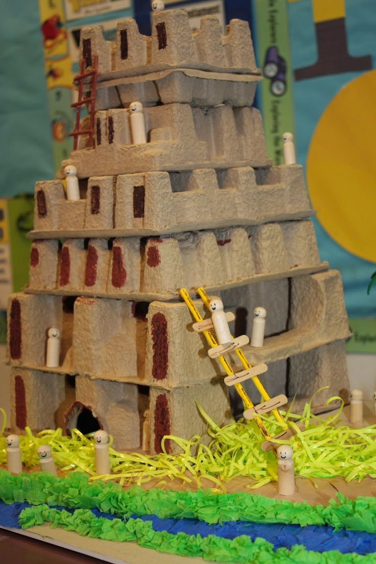 Torre de Babel. Dá pra fazer com caixa de ovos!