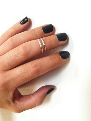 wonder if they'd stay on? i've been thinking about getting these. and a thumb ring.