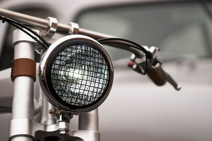 The GEAR - 포르쉐를 닮은 빈티지 스타일 전기 자전거 '아웃로우 트래커'