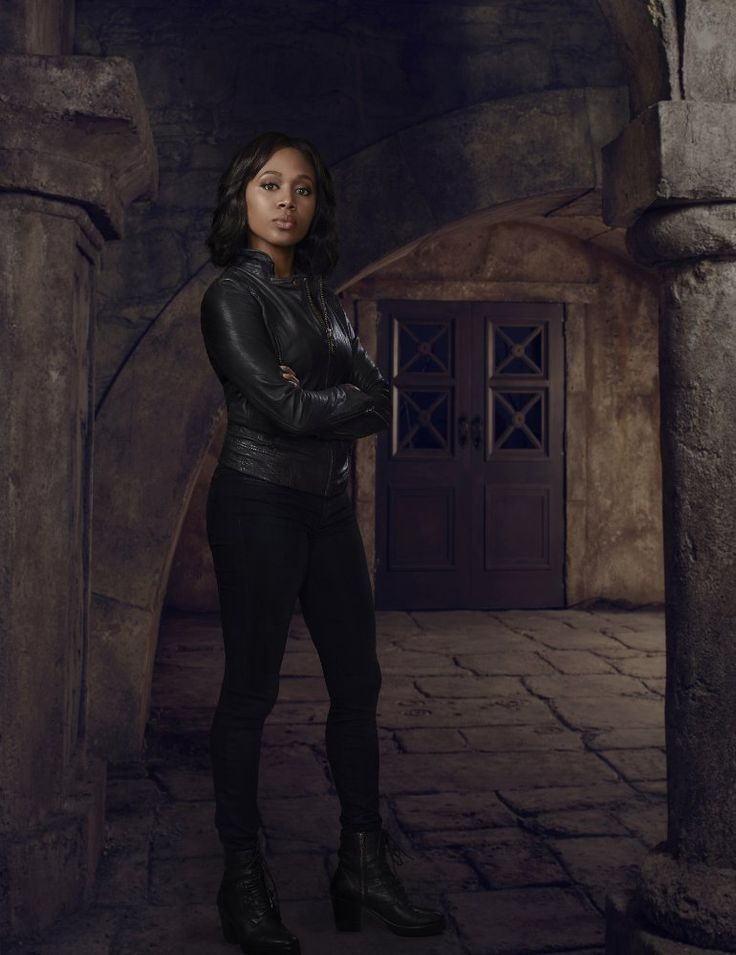 Created by Phillip Iscove, Alex Kurtzman, Roberto Orci.  With Tom Mison, Lyndie Greenwood, Nicole Beharie, Orlando Jones. Ichabod Crane is resurrected and pulled two and a half centuries through time to unravel a mystery that dates all the way back to the founding fathers.