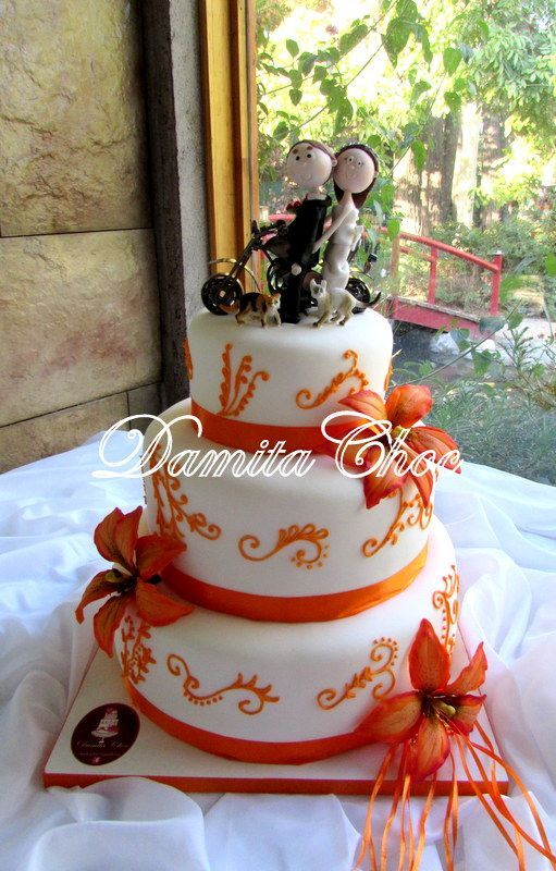 #Wedding cake #lilium #gumpaste