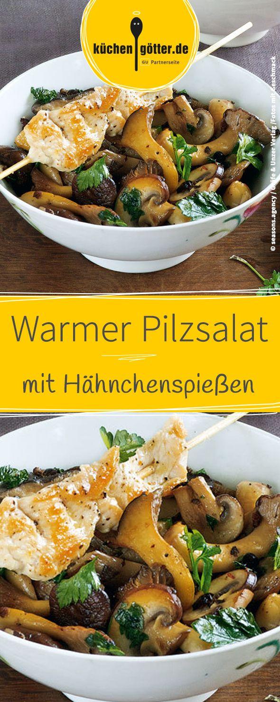 Rezept für warmen Pilzsalat mit Hähnchenspießen.