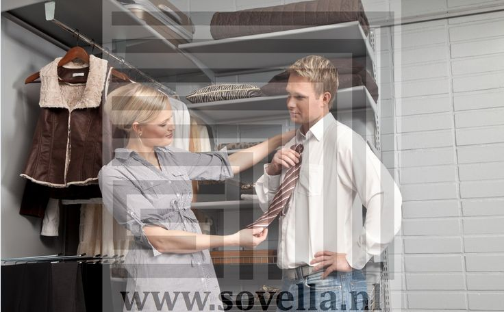Sovella Nederland inloopkast met Fipro wandrails en plankdragers. Catalogus? http://www.sovella.nl/catalogus_downloaden.html