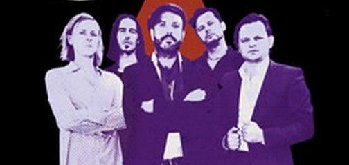 Selig - mit neuen Songs auf Clubtour im November 2012 - Die Hamburger Formation Selig gehört längst zum festen Wertekanon der deutschen Rockszene. Seit seinem Comeback im Jahr 2008 erlebt das Quintett eine überwältigende zweite Spielzeit und ist erfolgreicher denn je. Die seit der Reunion erschienenen Alben 'Und endlich unendlich' und 'Von Ewigkeit zu Ewigkeit' erwiesen sich als die erfolgreichsten der Band, beide landeten in die deutsche Top 10 und konnten sich dort über Wochen behaupten…
