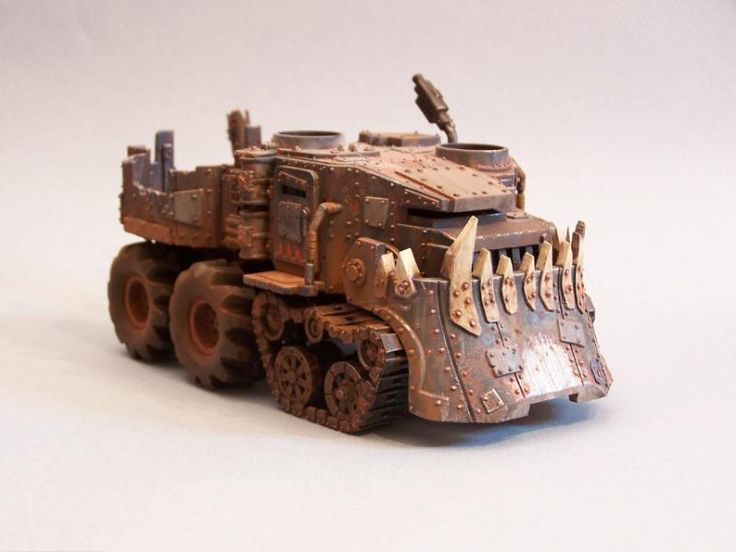 Battlewagon, Orks, Conversion, Warhammer 40k, Great weathering paintjob and love the chubby tires.