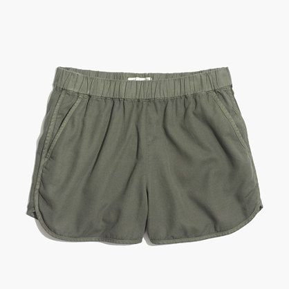 "Our favorite pull-on shorts are back—this time with pockets (we got your memo, in other words). Super-comfortable and cool, they swap in effortlessly for a pair of cutoffs.  <ul><li>True to size.</li><li>3 1/2"" inseam.</li><li>Linen/cotton.</li><li>Machine wash.</li><li>Import.</li></ul>"