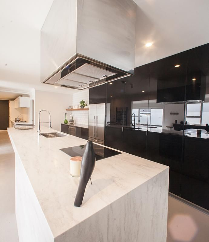 Love this Corian benchtop and kitchen design!