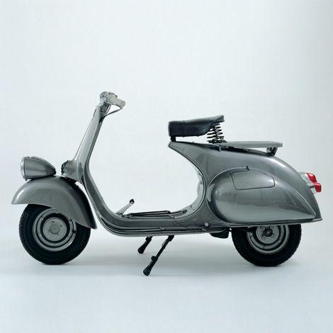 Vespa 125cc motor scooter, 1951.