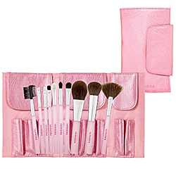 #SephoraColorWash - What it is:A 10-piece set, including brushes for the face, eyes, and lips. What it does:All the brushes needed to create a full face, each features superb durability and craftsmanship and comes in a pretty pink carrying case. This set contains: - Fan