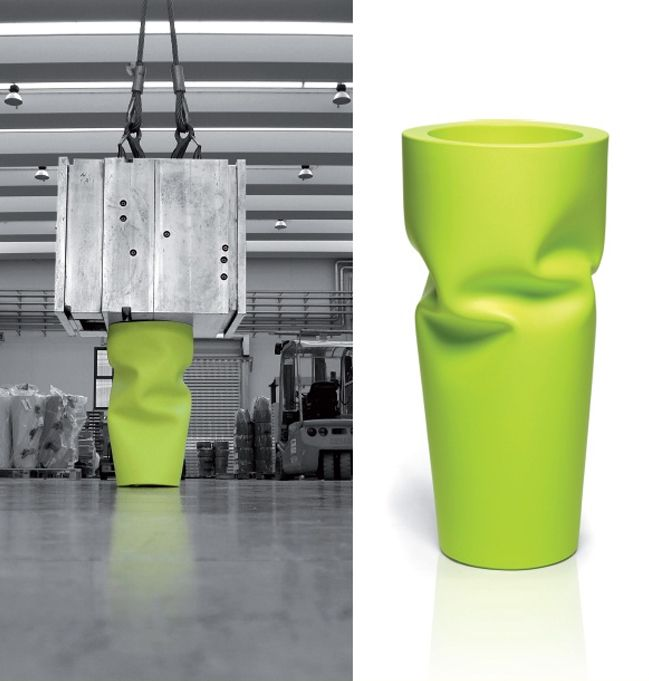 Saving/Space/Vase - Compressed vase, design by Andrea Maragno for Euro 3 Plast (2009)