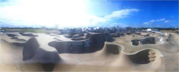 black-pearl-skate-a-surf-park-grand-cayman-cayman-islands-30-1439147626.jpg (800×323)