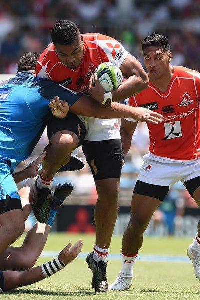 Uwe Helu of the Sunwolves is tackled during the Super Rugby match between the Sunwolves and the Blues at Prince Chichibu Stadium on July 15, 2017 in Tokyo, Japan.