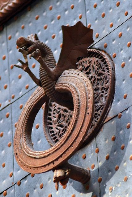 17 best images about dragons here and there on pinterest dragon art dragon mask and yard art - Dragon door knockers ...