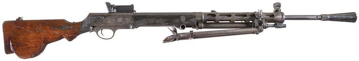 Pulemyot Degtyaryova Pekhotny DP-28 machine gun    Designed in 1927 and manufactured by the Tula arsenal in the USSR c.1928-60′s - serial number 1119.  7,62x54mmR 47 round removable pan magazine, gas operated automatic fire.