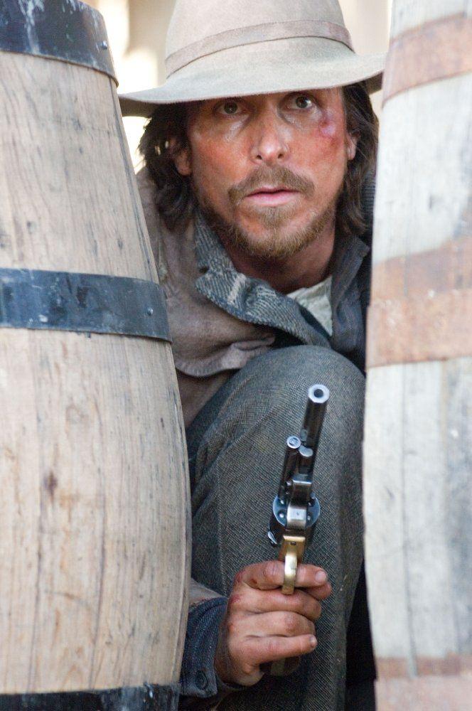 Christian Bale in 3:10 to Yuma (2007) - Photo Gallery - IMDb