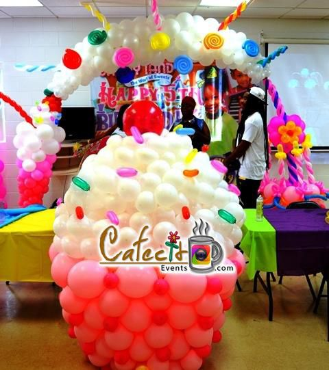 Cafecito Events - Balloon Decorations - Candy Land - Muffin