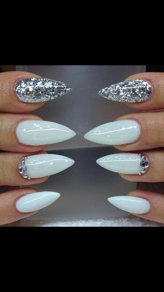 White and gold glitter nails