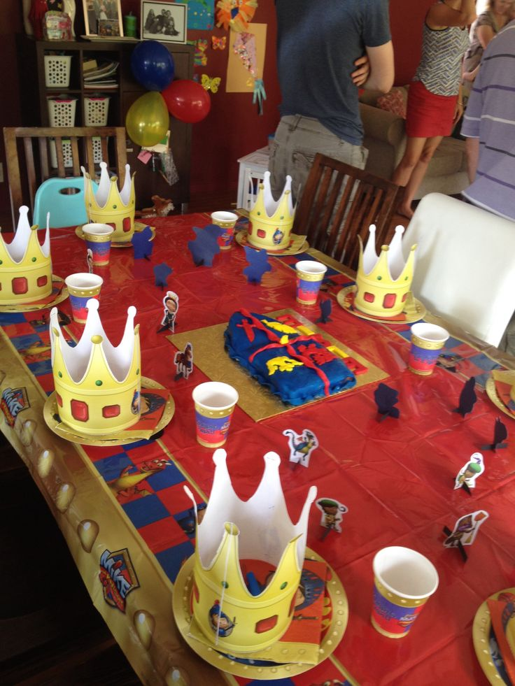 Our table setting for the Mike the Knight party