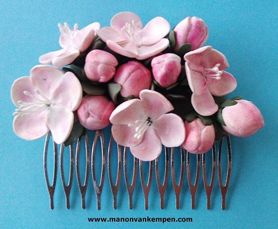 Apple blossom polymer clay flower haircomb door ManonvanKempen, €35.00