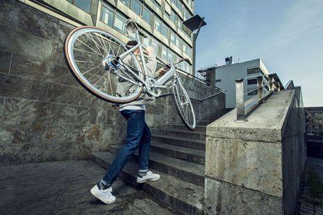 Düsseldorf ist eine aufstrebende Metropole – der Platz wird aber nicht mehr und das vor allem auf den Straßen. Wer aufs Fahrrad umsteigt trägt maßgeblich zur Entspannung der pulsierenden Großstadt bei, da sind sich die Veranstalter der ersten Düsseldorfer Fahrradmesse sicher, die am 25. und 26. März stattfindet.