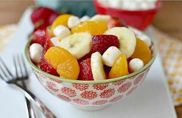 Ce régime de nettoyage de l'organisme devrait être fait une fois par mois. Dans la matinée, avant de consommer quoi que ce soit, buvezun verre d'eau citronnée. Petit déjeuner:Une salade de fruits – peut être constituéede fraises, framboises, myrtilles, mûres, cerises, pommes, poires et une poignée d'amandes. Collation:Un verre d'eau citronnée, une banane et poignée …