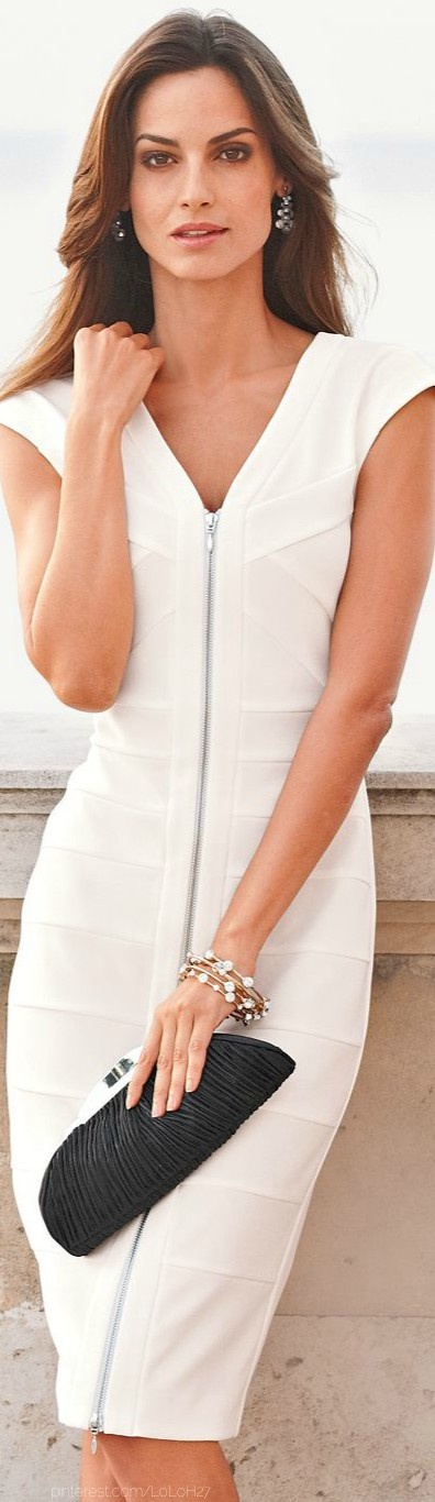 Spring / summer - dressy style - casual look - sleeveless whuite dress