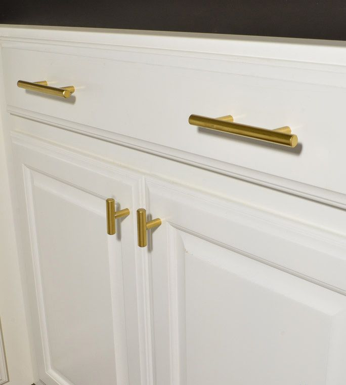 46 best brass pulls images on pinterest beautiful for Cheap handles for kitchen cabinets