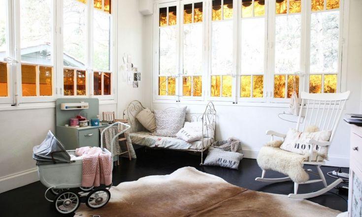 home-tour-maison-familiale-chambre-enfant-lit-fer-forgé-mademoiselle-claudine-decoraiton-vintage-pour-enfant-the-socialite-family